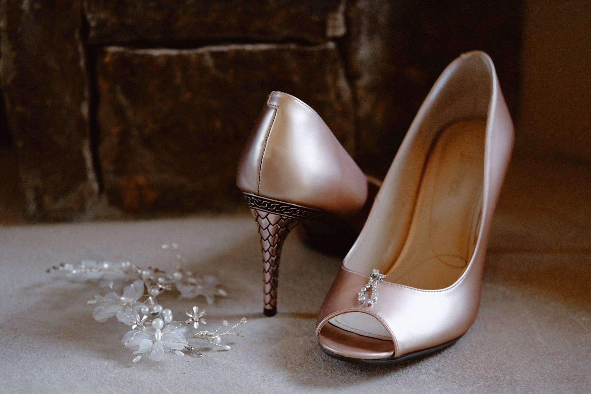 Soft pink metallic wedding shoes with scales on heels