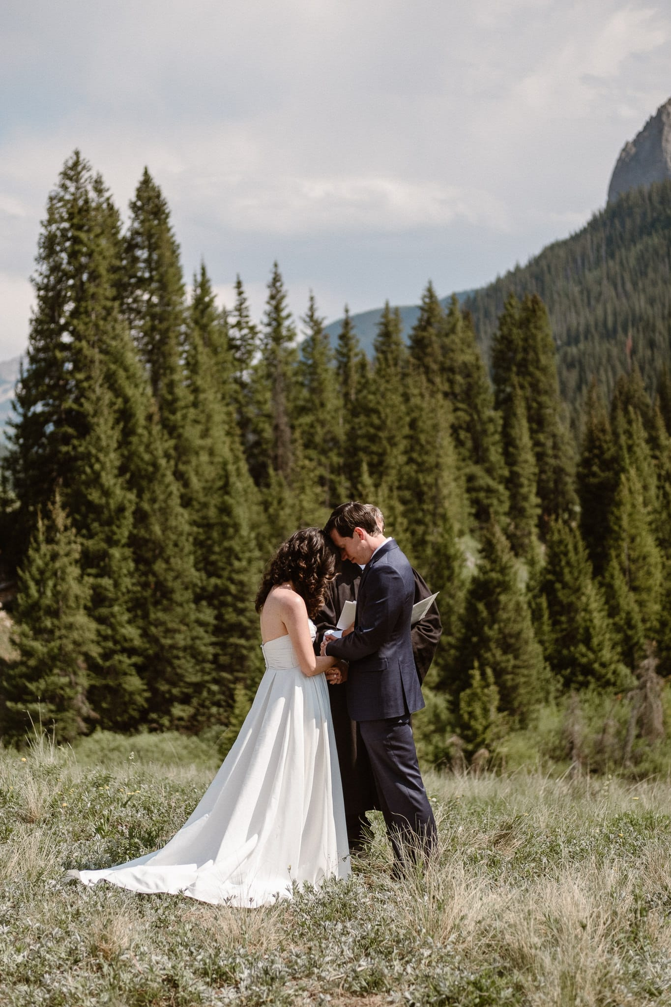Crested Butte elopement photographer, Colorado adventure wedding photographer, mountain hiking elopement ceremony,