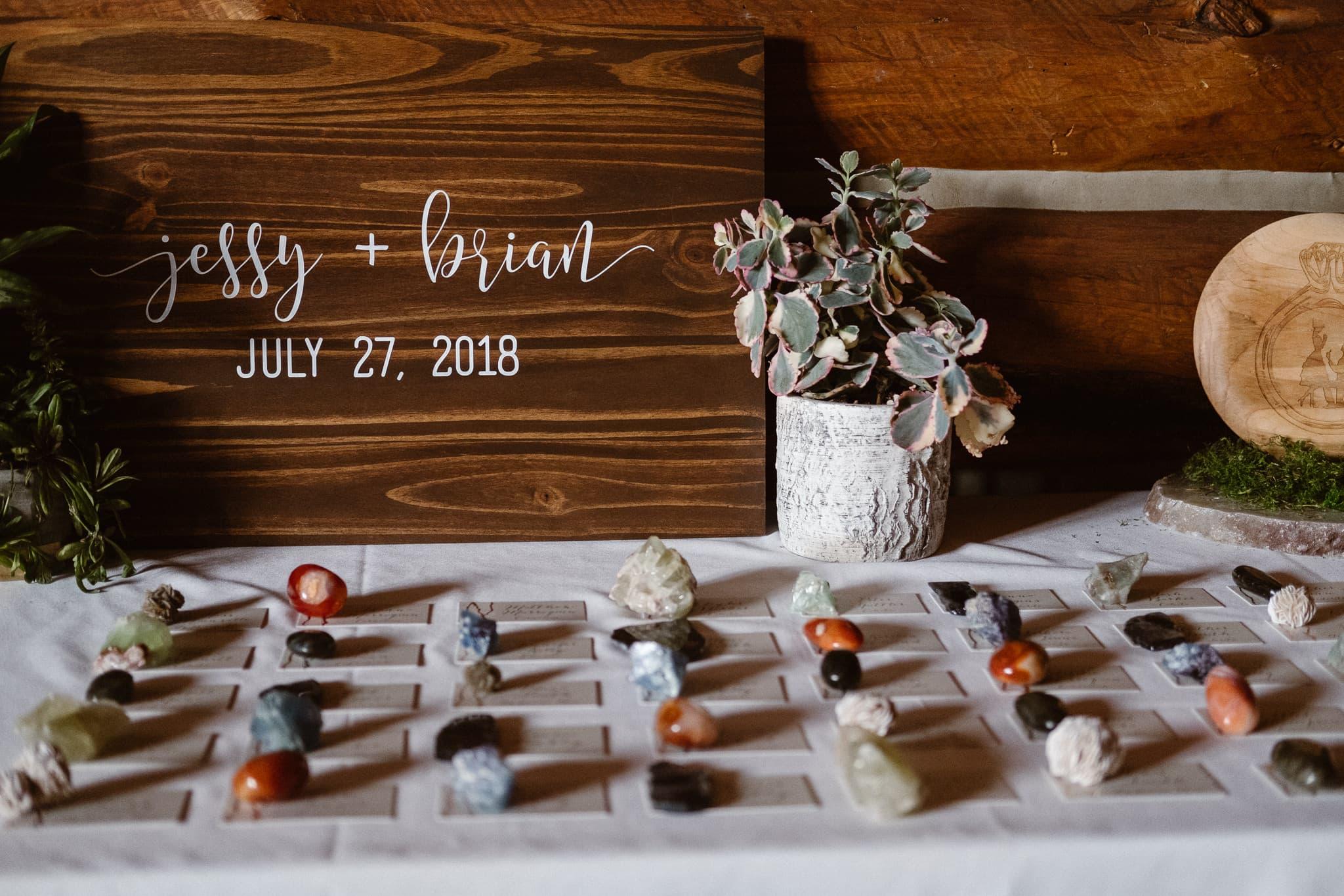 Dao House wedding photographer, Estes Park wedding venue, Colorado mountain wedding, gemstone place cards, wood wedding sign