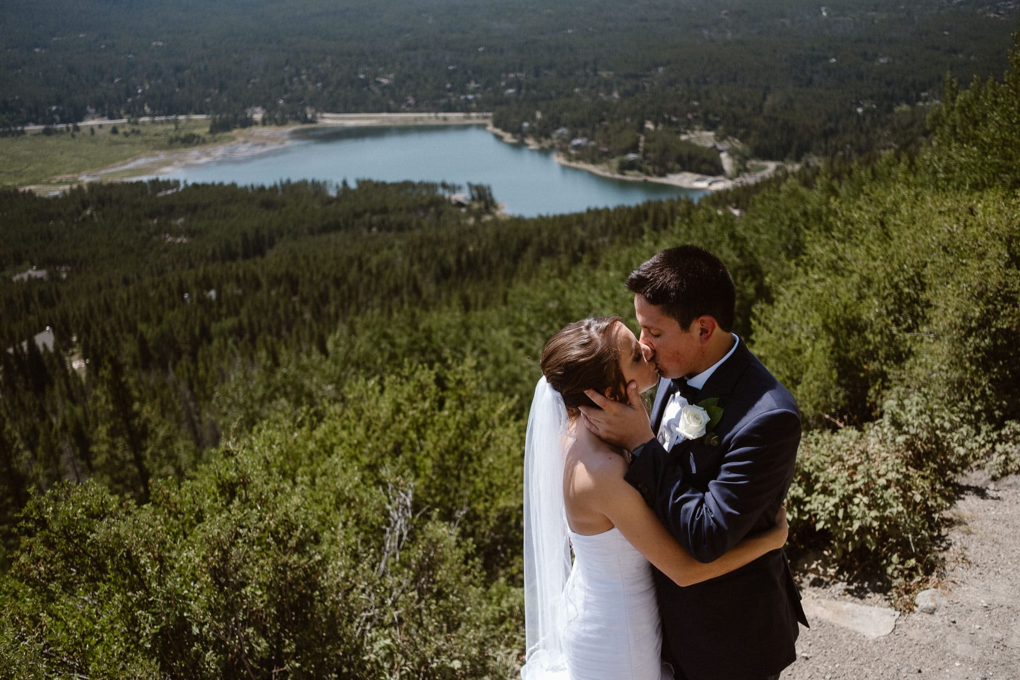Lodge at Breckenridge Wedding Photographer, Colorado mountain wedding photographer, intimate wedding, bride and groom portrait, bridal portrait, bride and groom by alpine lake