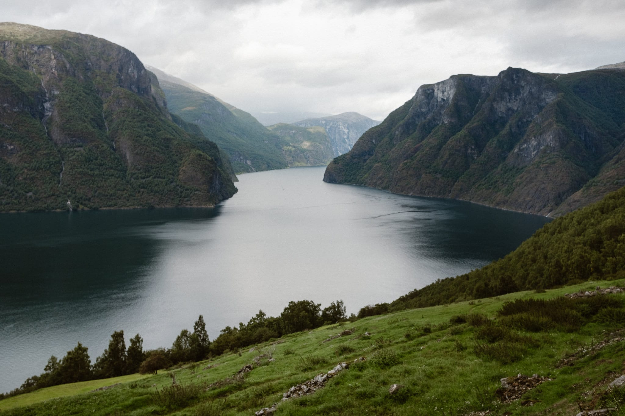 Norwegian fjords elopement photographer, Norway wedding photographer, Aurland fjordbryllup