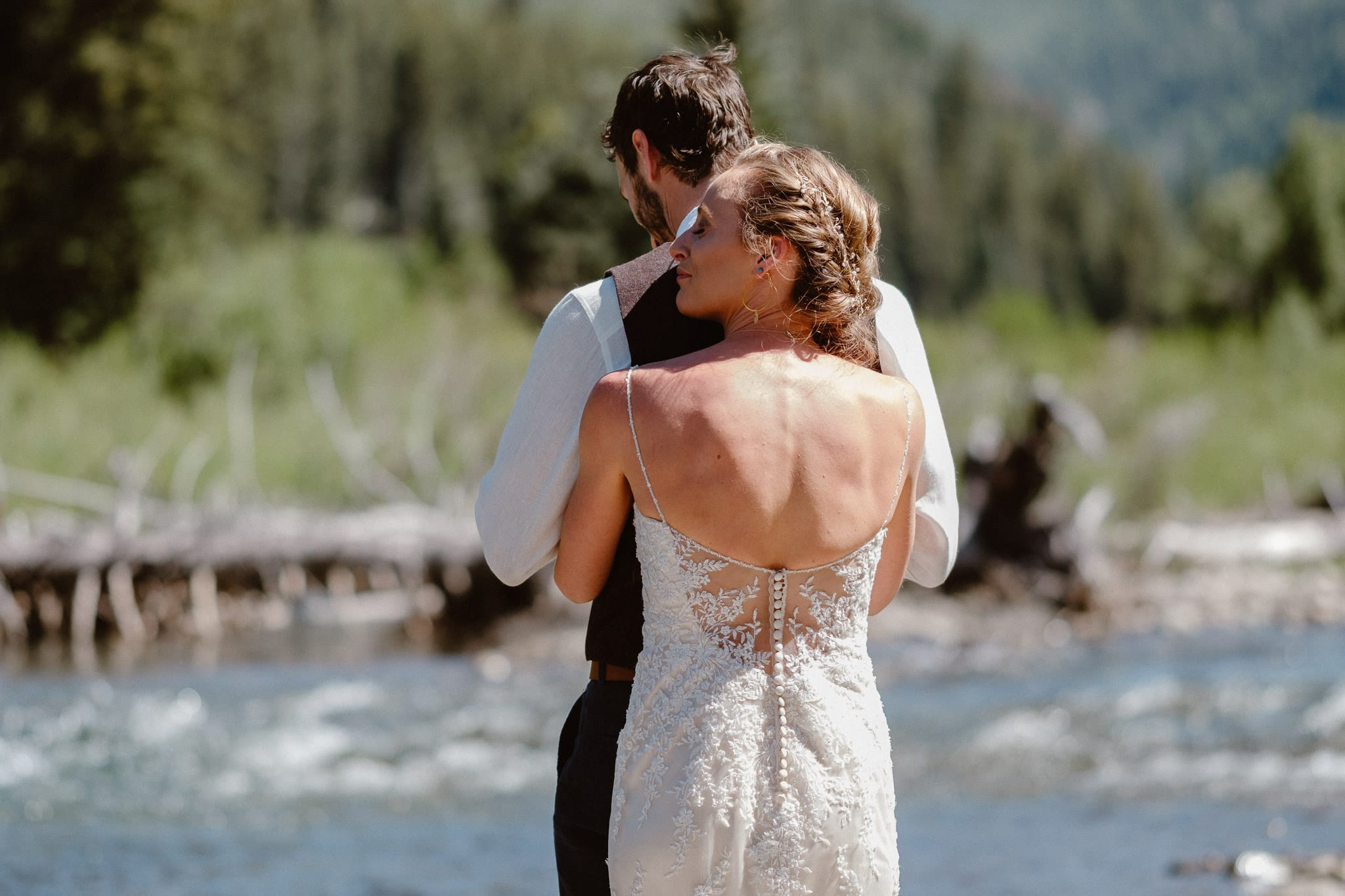 Redstone Inn wedding photographer, Carbondale wedding photographer, Colorado intimate wedding photographer, bride and groom first look by river