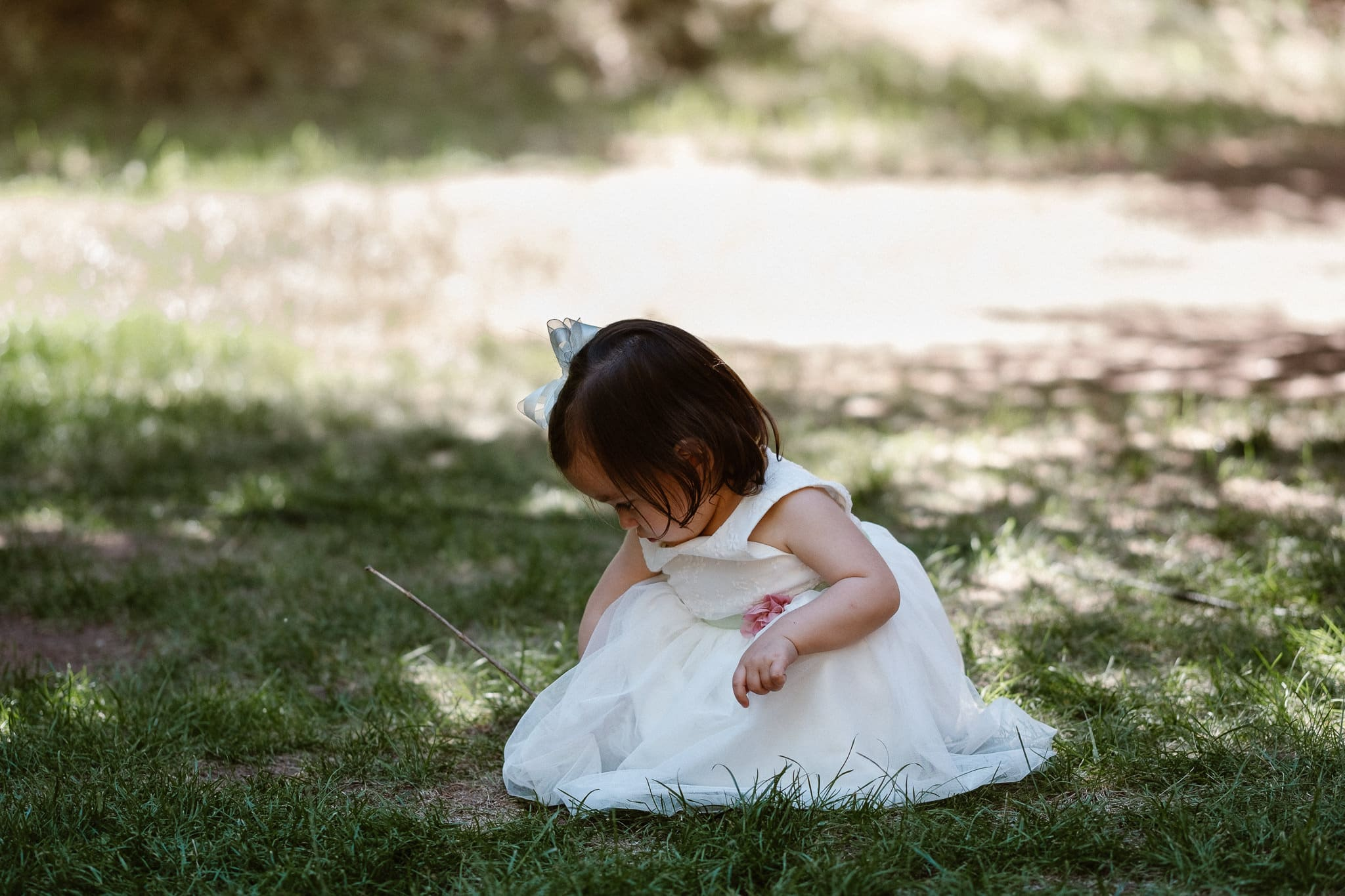 Redstone Inn wedding photographer, Carbondale wedding photographer, Colorado intimate wedding photographer, little girl playing during wedding ceremony