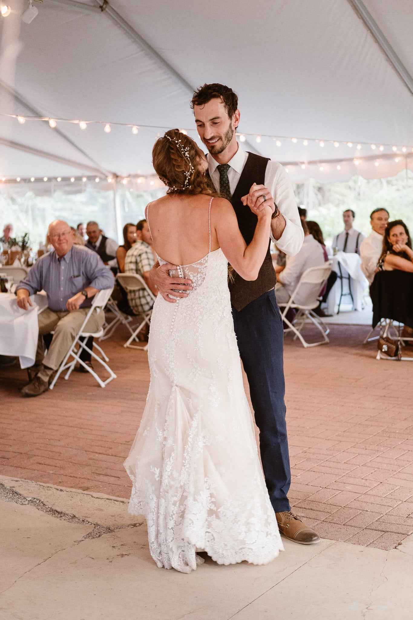 Redstone Inn wedding photographer, Carbondale wedding photographer, Colorado intimate wedding photographer, bride and groom first dance