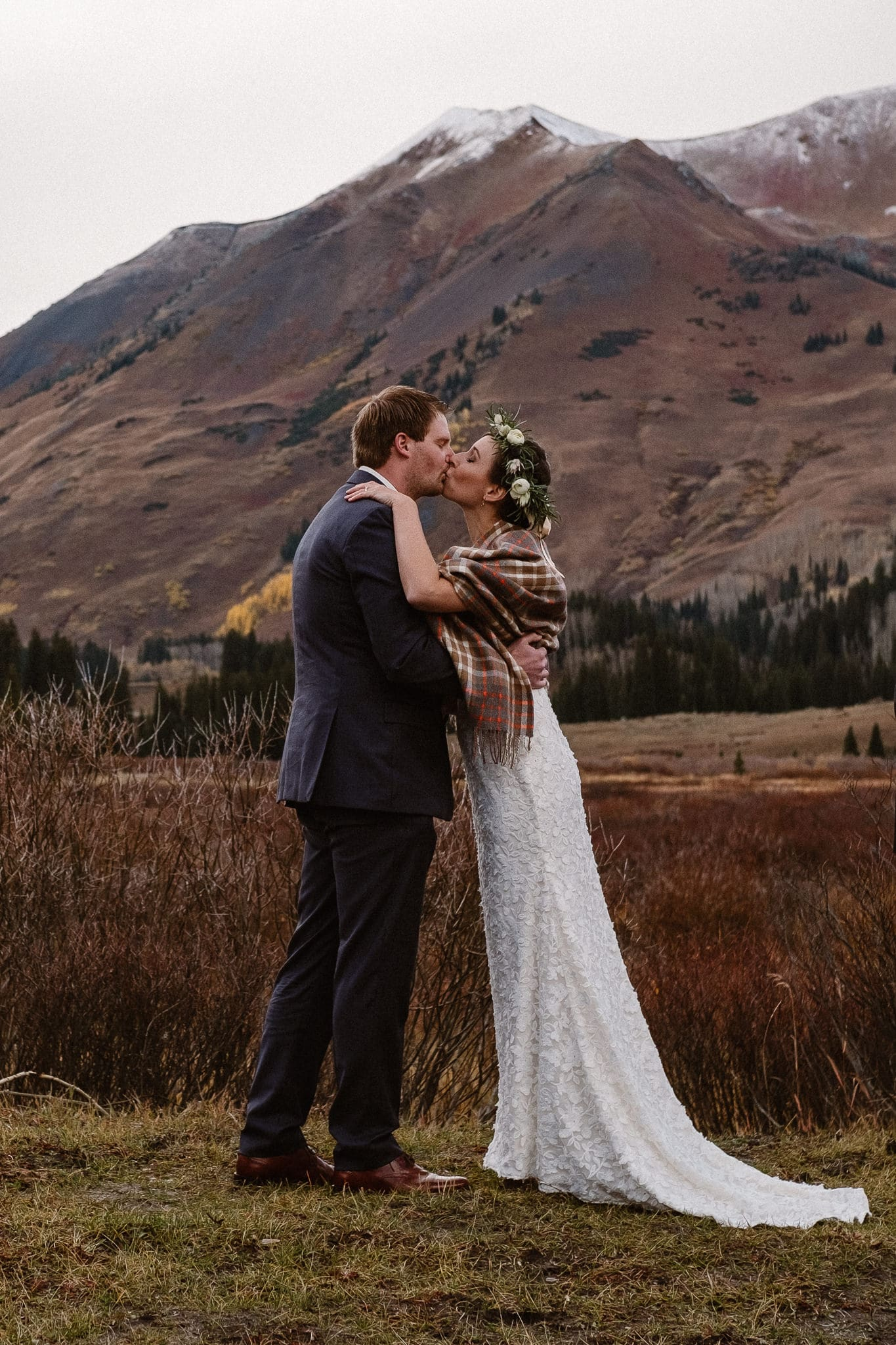 Crested Butte Wedding Photographer, Scarp Ridge Lodge intimate elopement, outdoor elopement in Colorado, Colorado mountain adventure wedding, first kiss