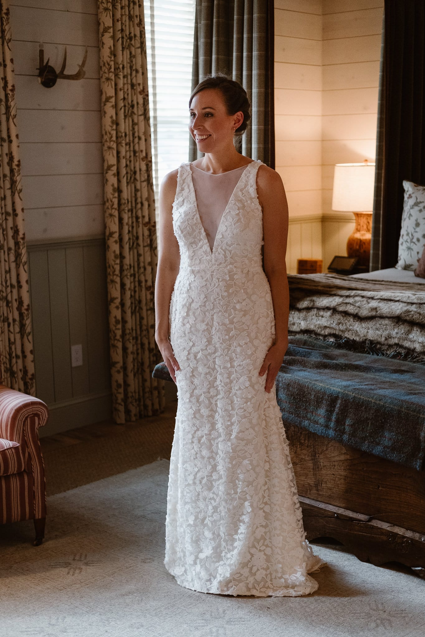 Crested Butte Wedding Photographer, Scarp Ridge Lodge intimate elopement, bride getting ready at luxury mountain lodge