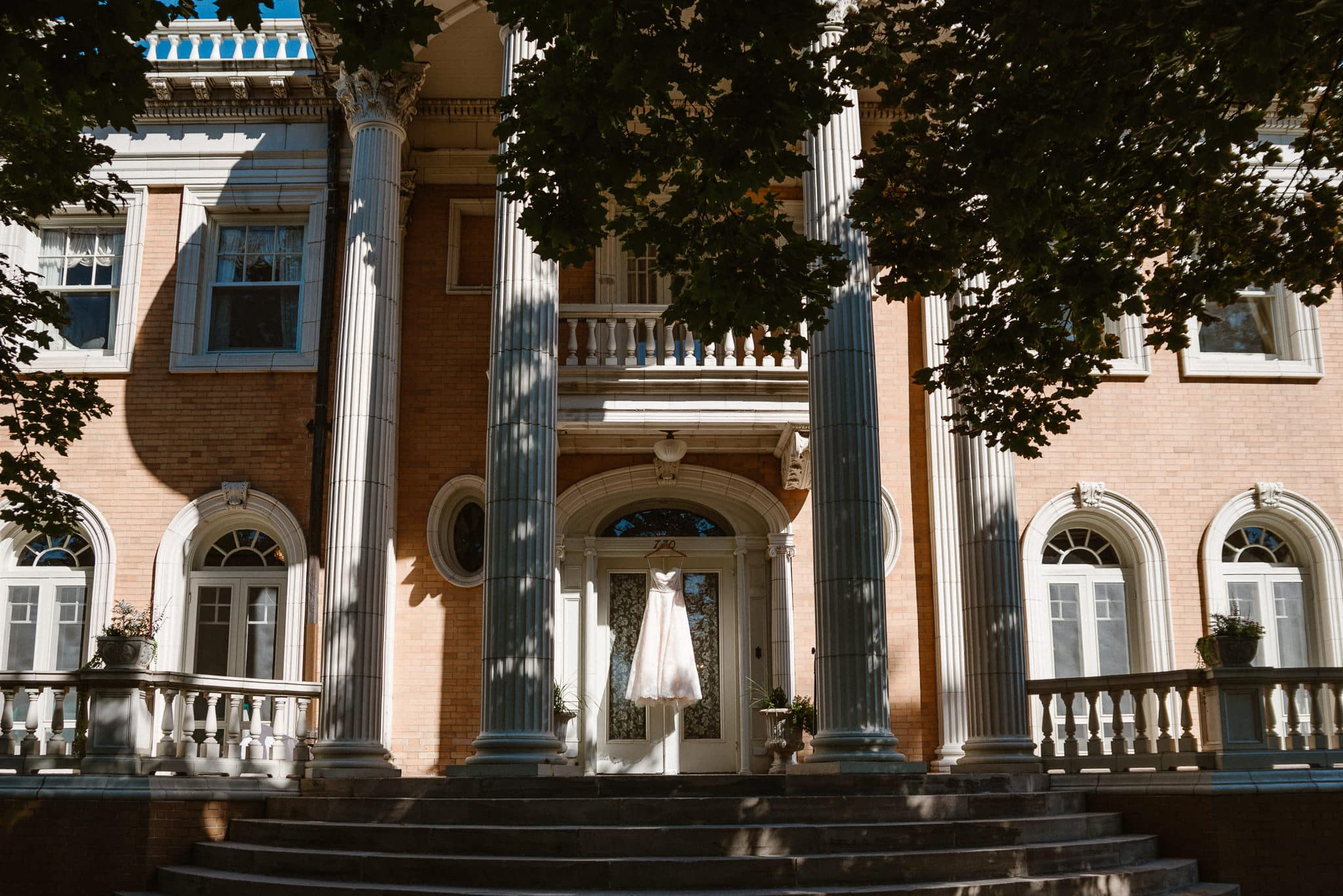 Grant Humphreys Mansion Wedding Photographer, Denver wedding photographer, Colorado wedding photographer, wedding dress