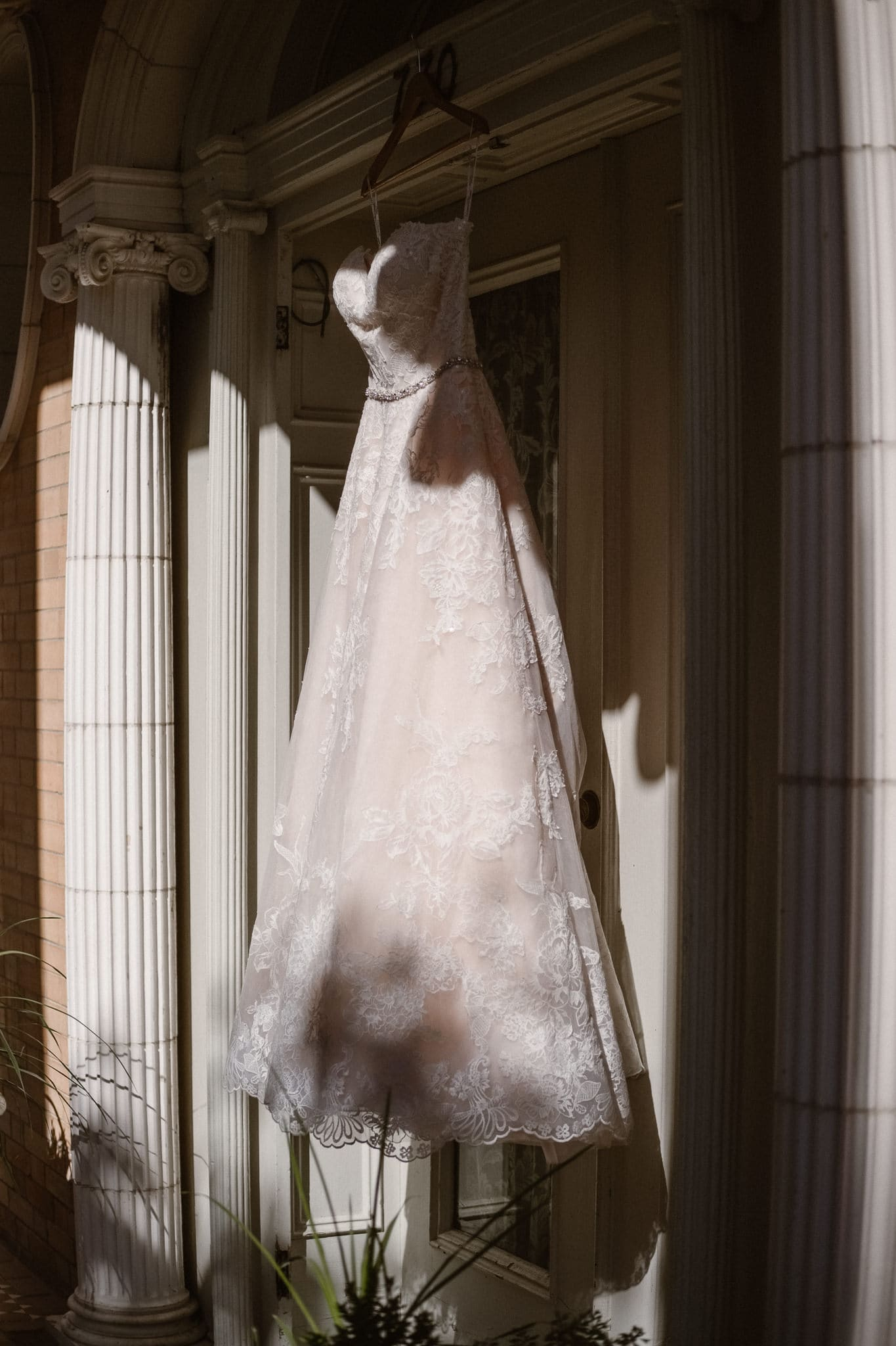 Grant Humphreys Mansion Wedding Photographer, Denver wedding photographer, Colorado wedding photographer, wedding dress