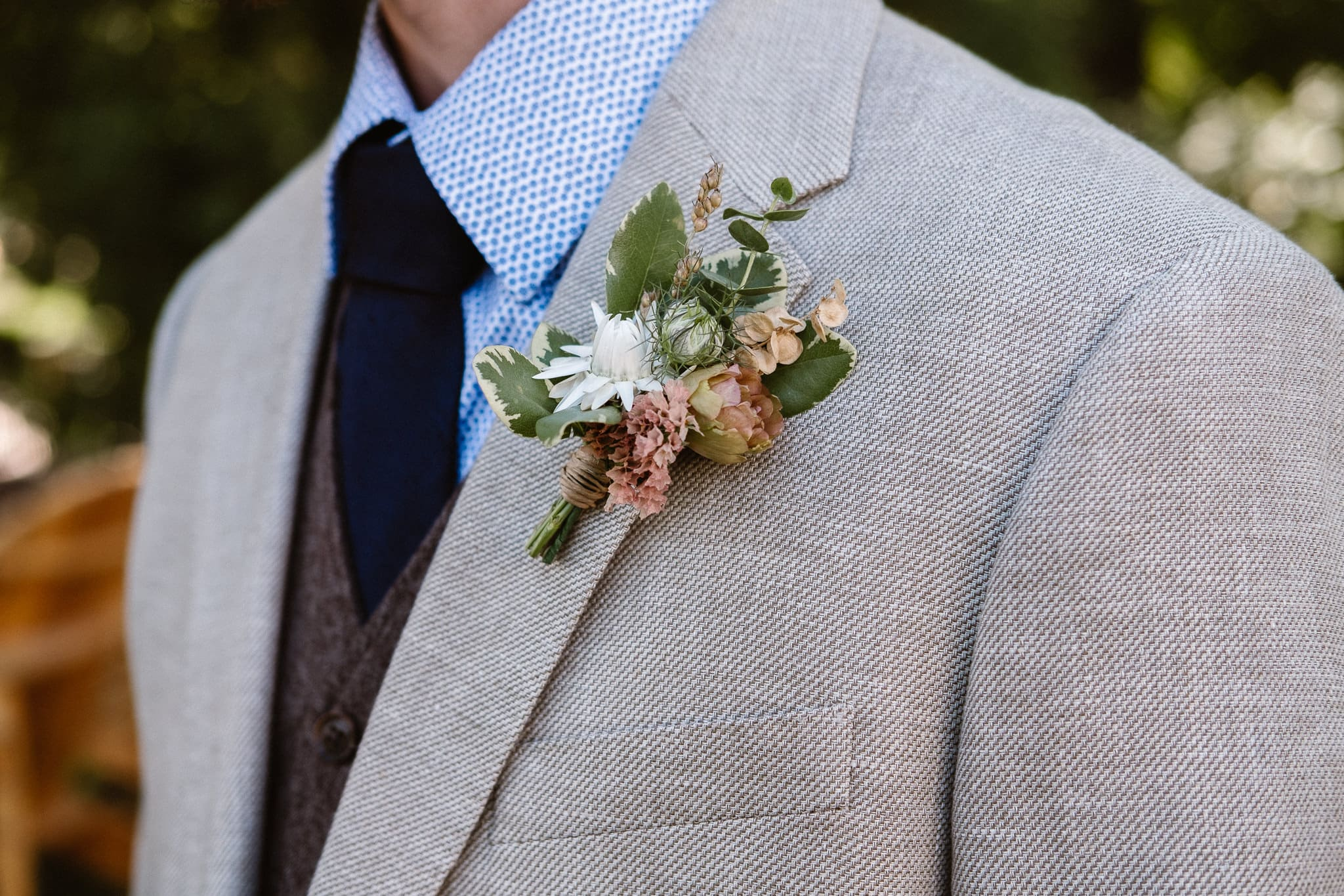 Lyons Farmette wedding photographer, Colorado intimate wedding photographer, groom portrait, boutonniere by Farmette Flowers