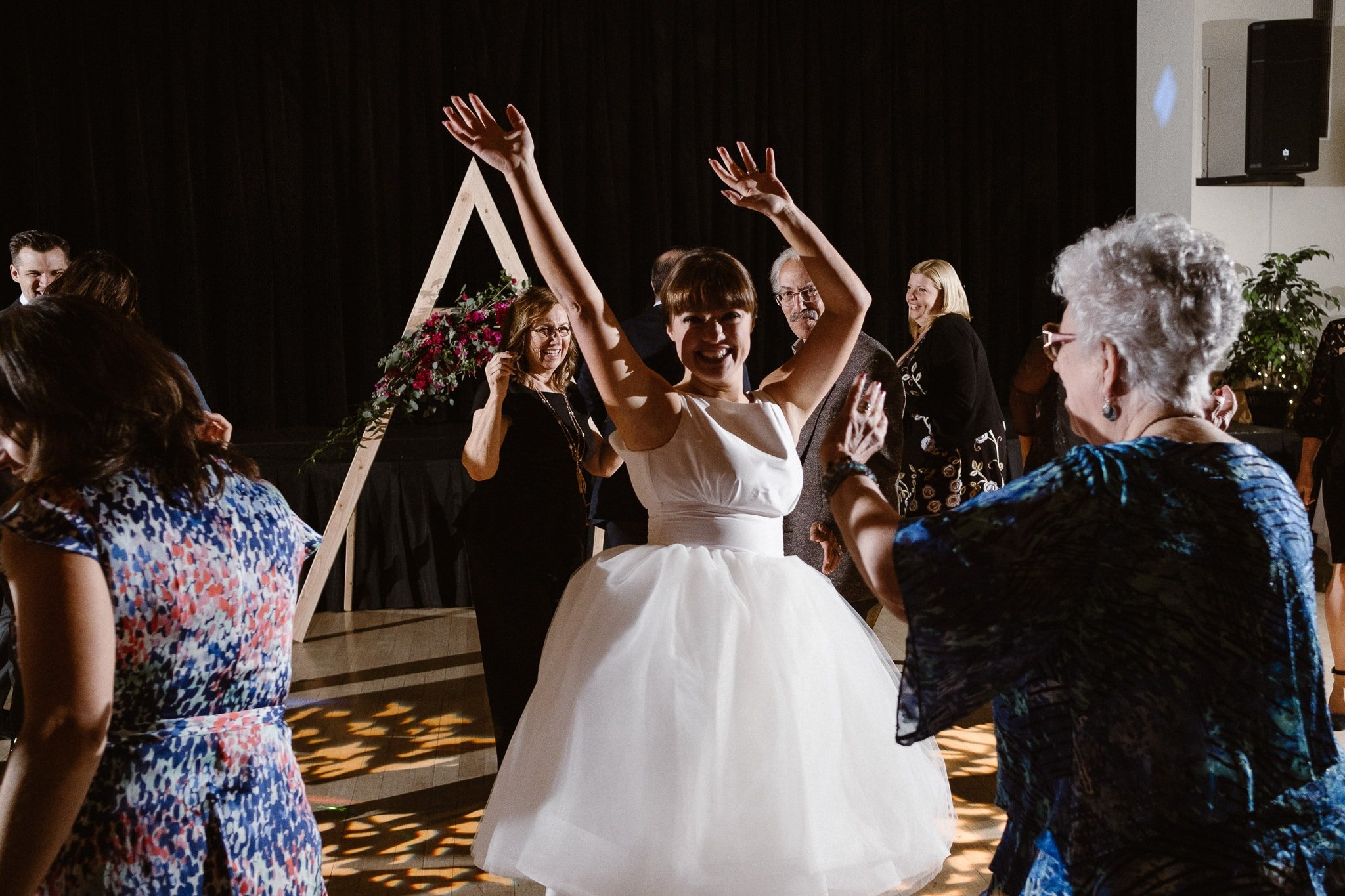 Silverthorne Pavilion wedding photography, Colorado wedding photographer, wedding reception dance party