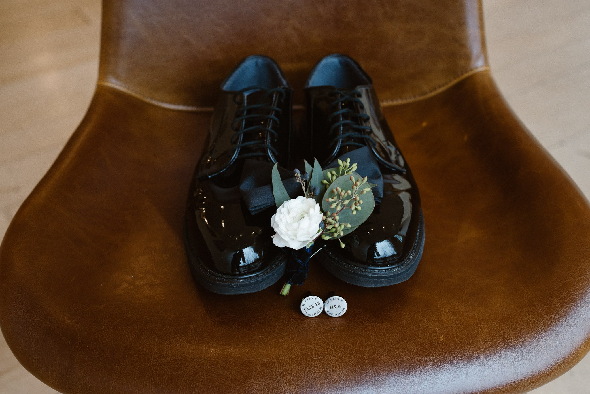 Rembrandt Yard wedding photographer, Boulder wedding photographer, Colorado Jewish wedding, groom's shoes and boutonniere, wedding details