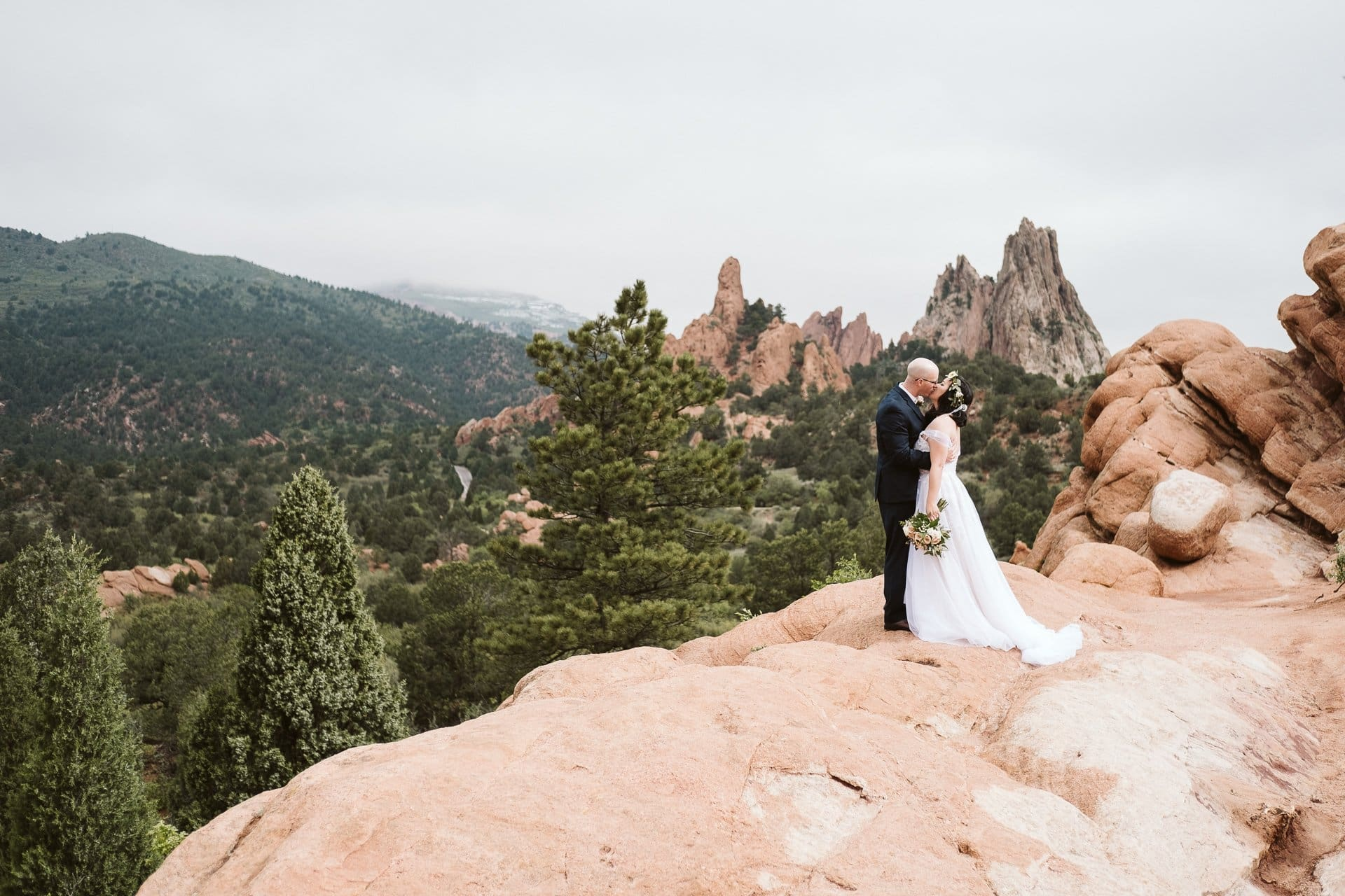 Garden of the Gods elopement in Colorado Springs, Colorado elopement photographer
