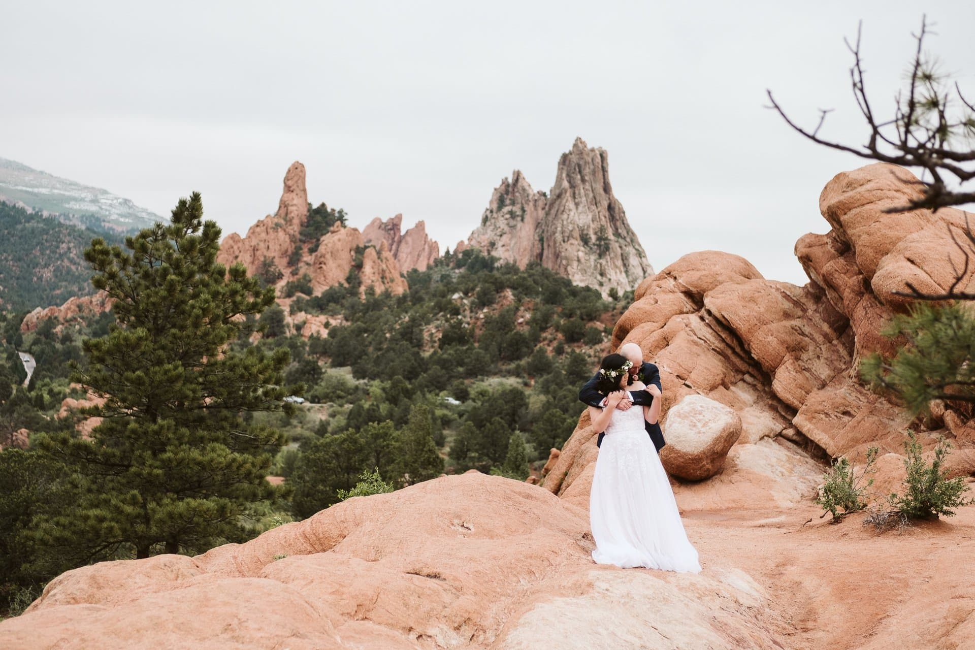 Wedding photos at Garden of the Gods in Colorado Springs with red rocks and desert vibes