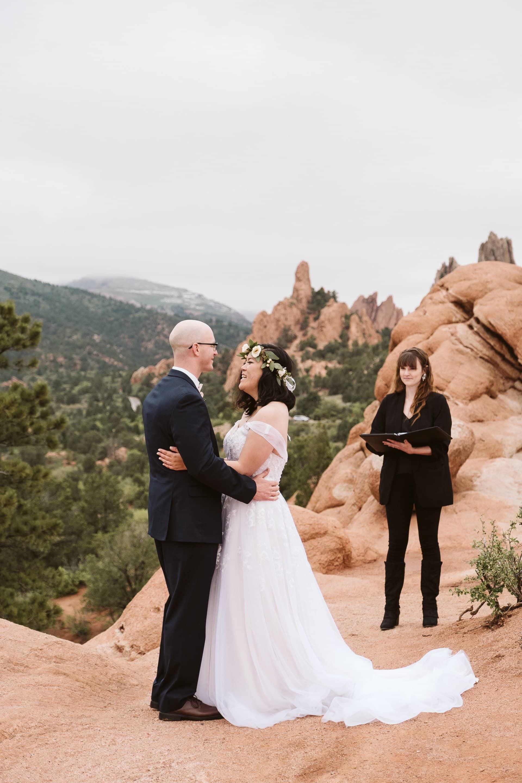Garden of the Gods elopement ceremony