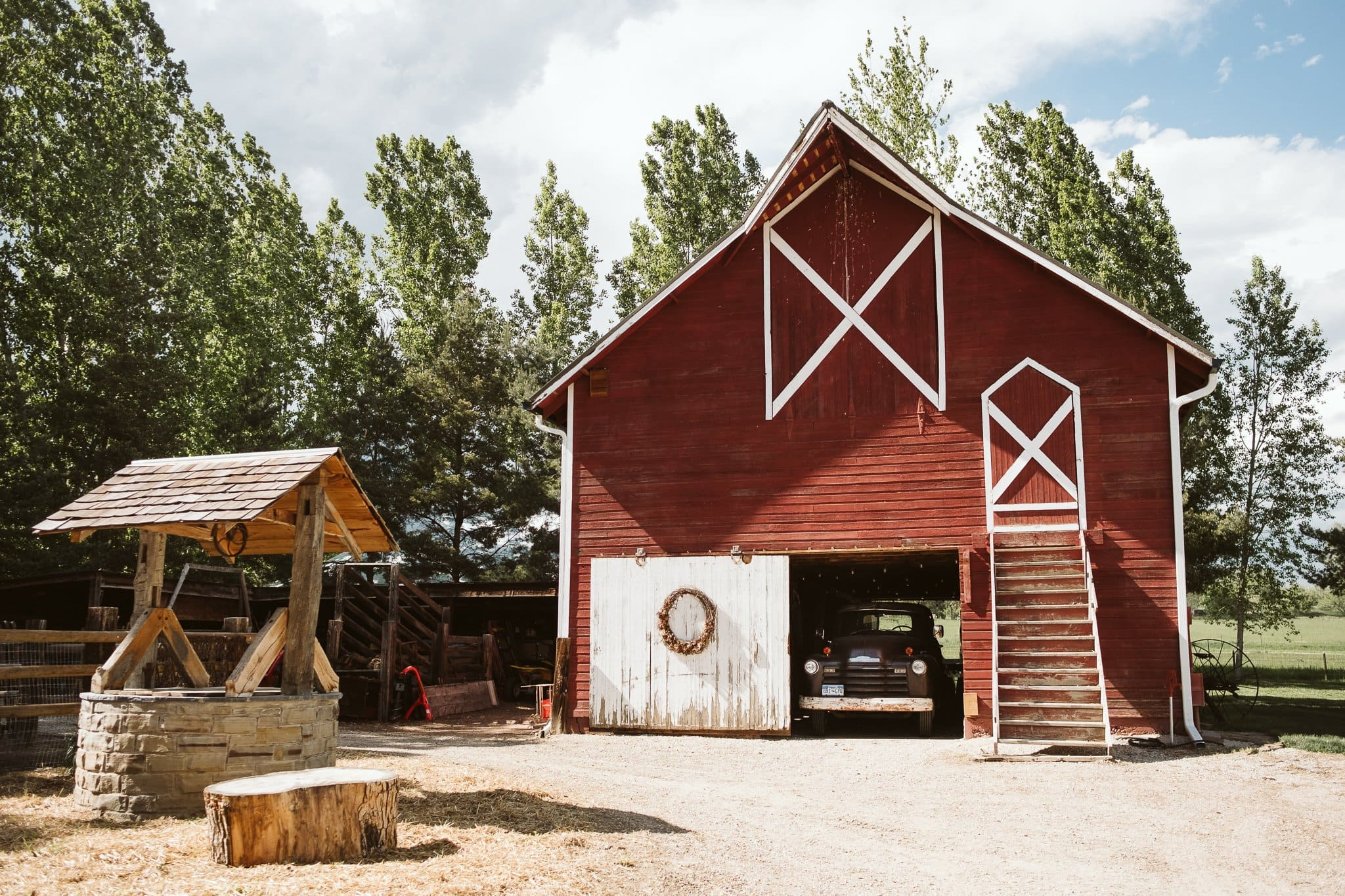 milston-well-farm-wedding-venue-boulder-15