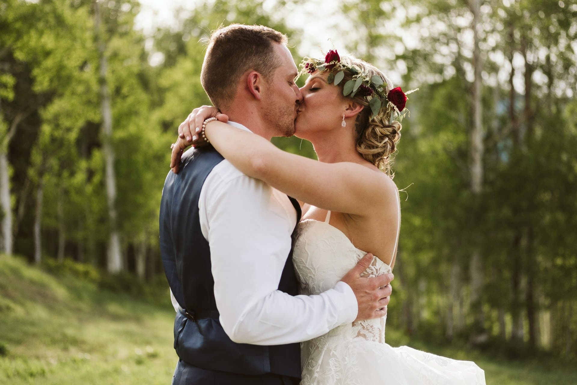 Lynn Britt Cabin wedding in Snowmass