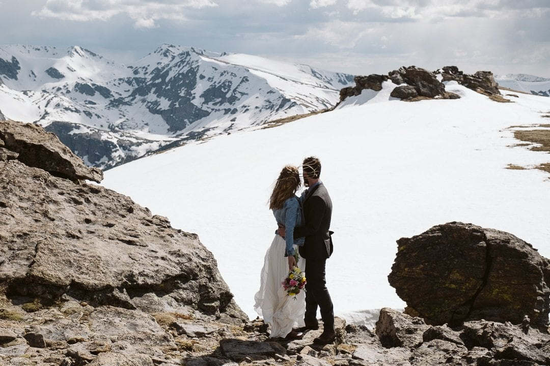 Bride and groom wedding photos at Trail Ridge Road