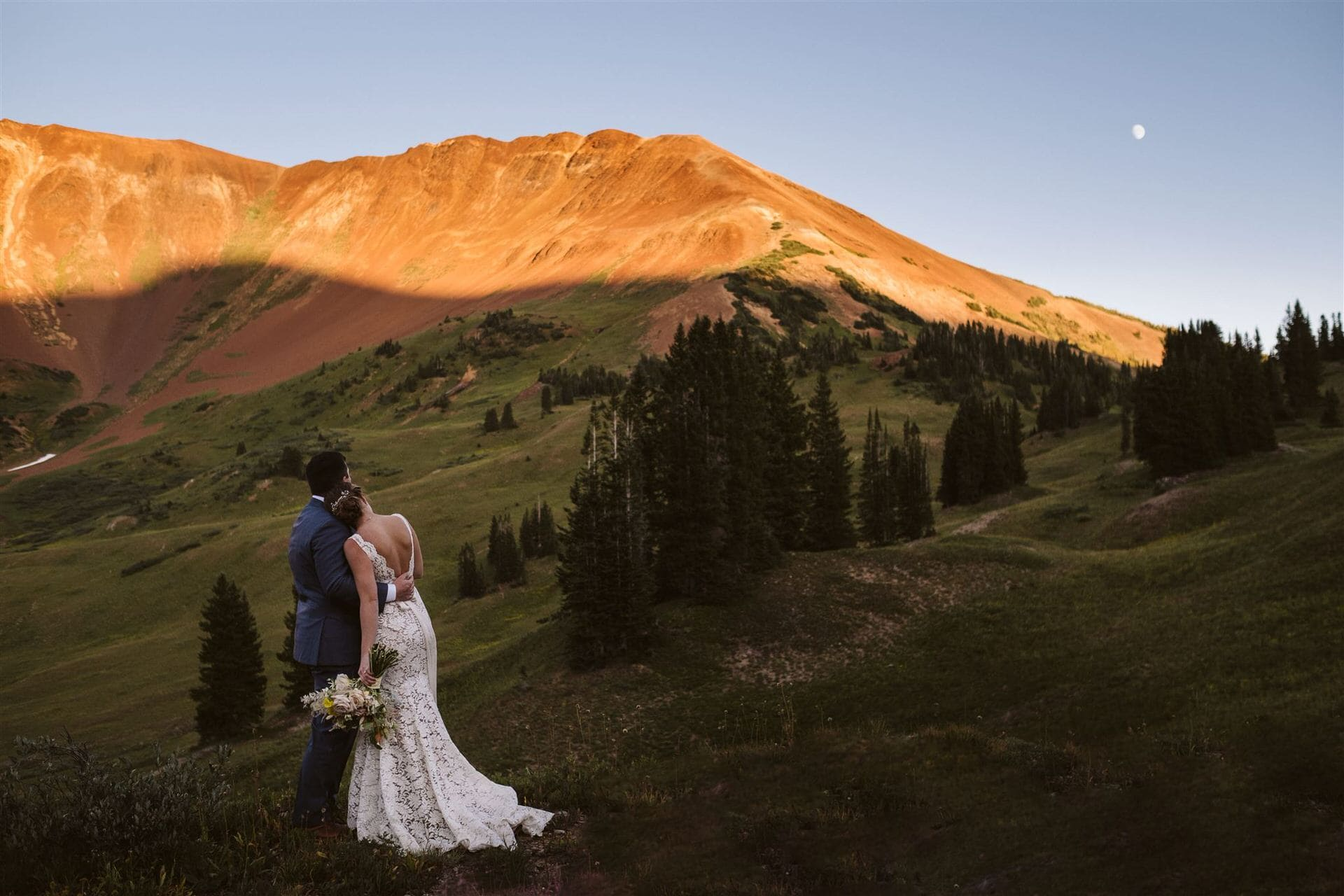 Crested Butte mountain pass elopement, Colorado adventure elopement with alpenglow