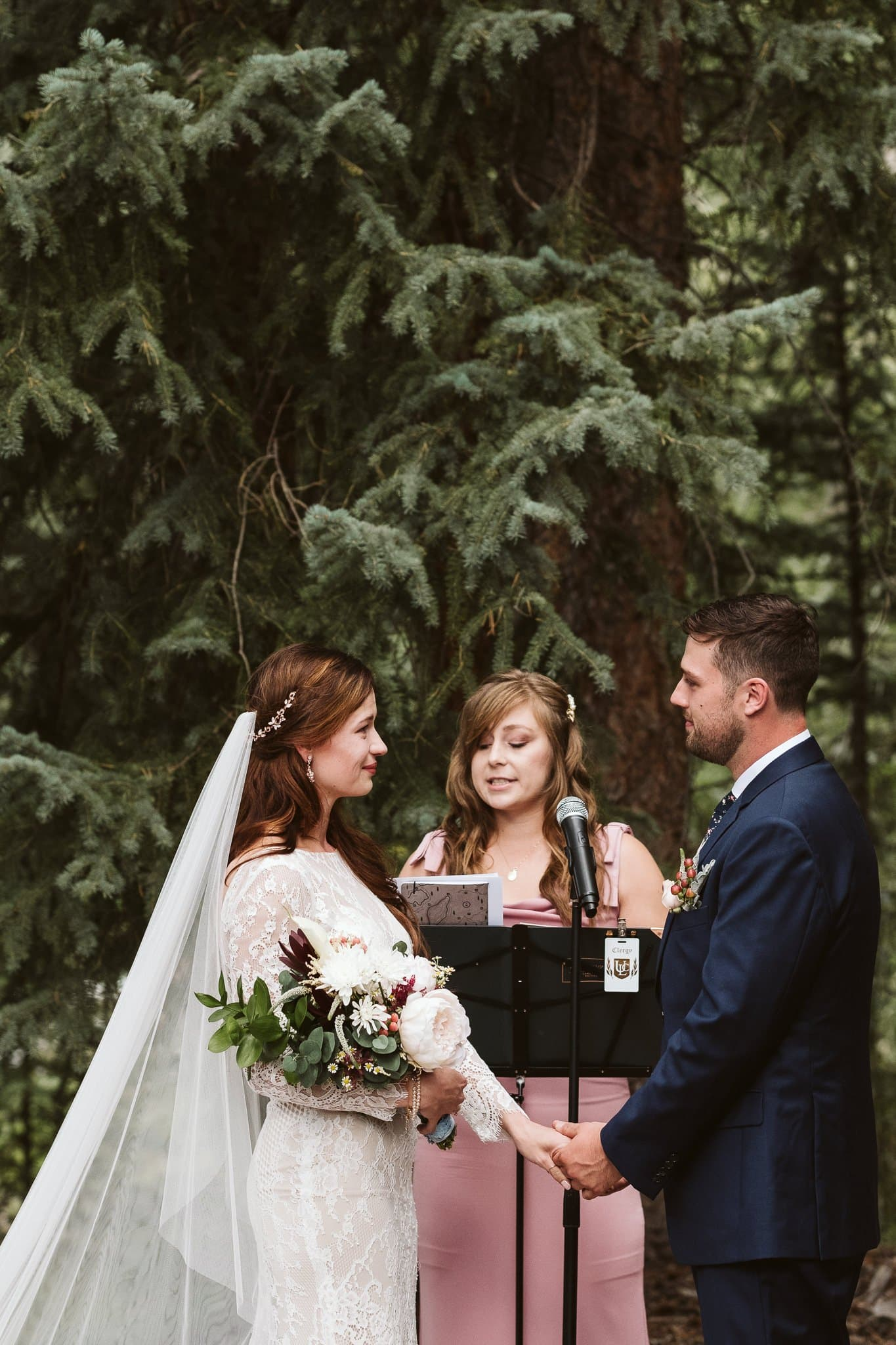 Rivertree Lodge wedding ceremony in Breckenridge, wedding in the woods of Colorado