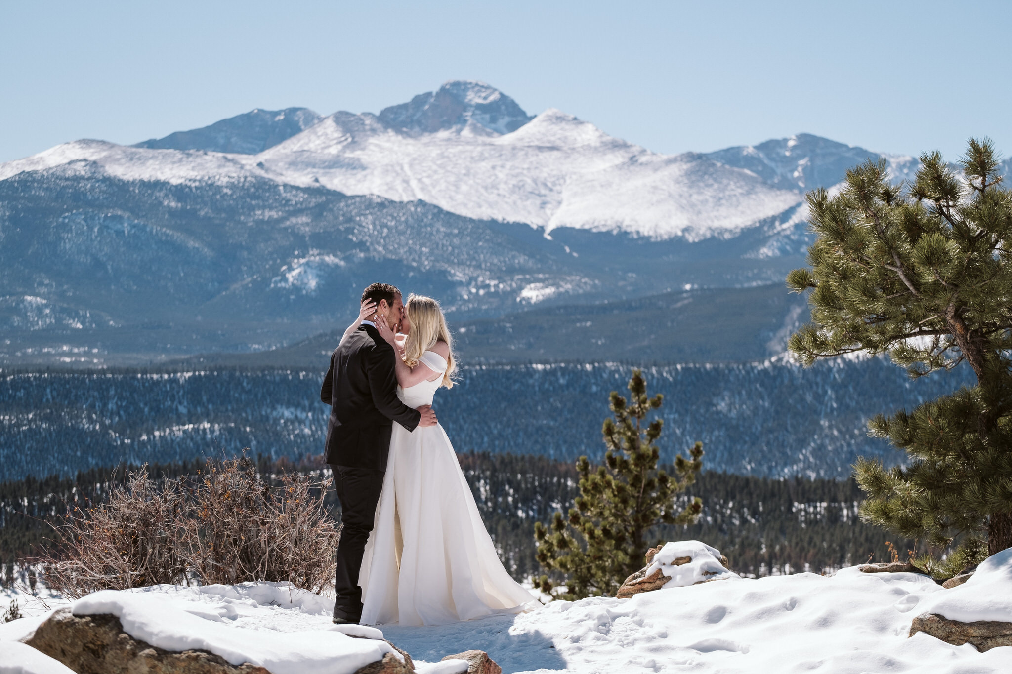 3M Curve wedding in Rocky Mountain National Park