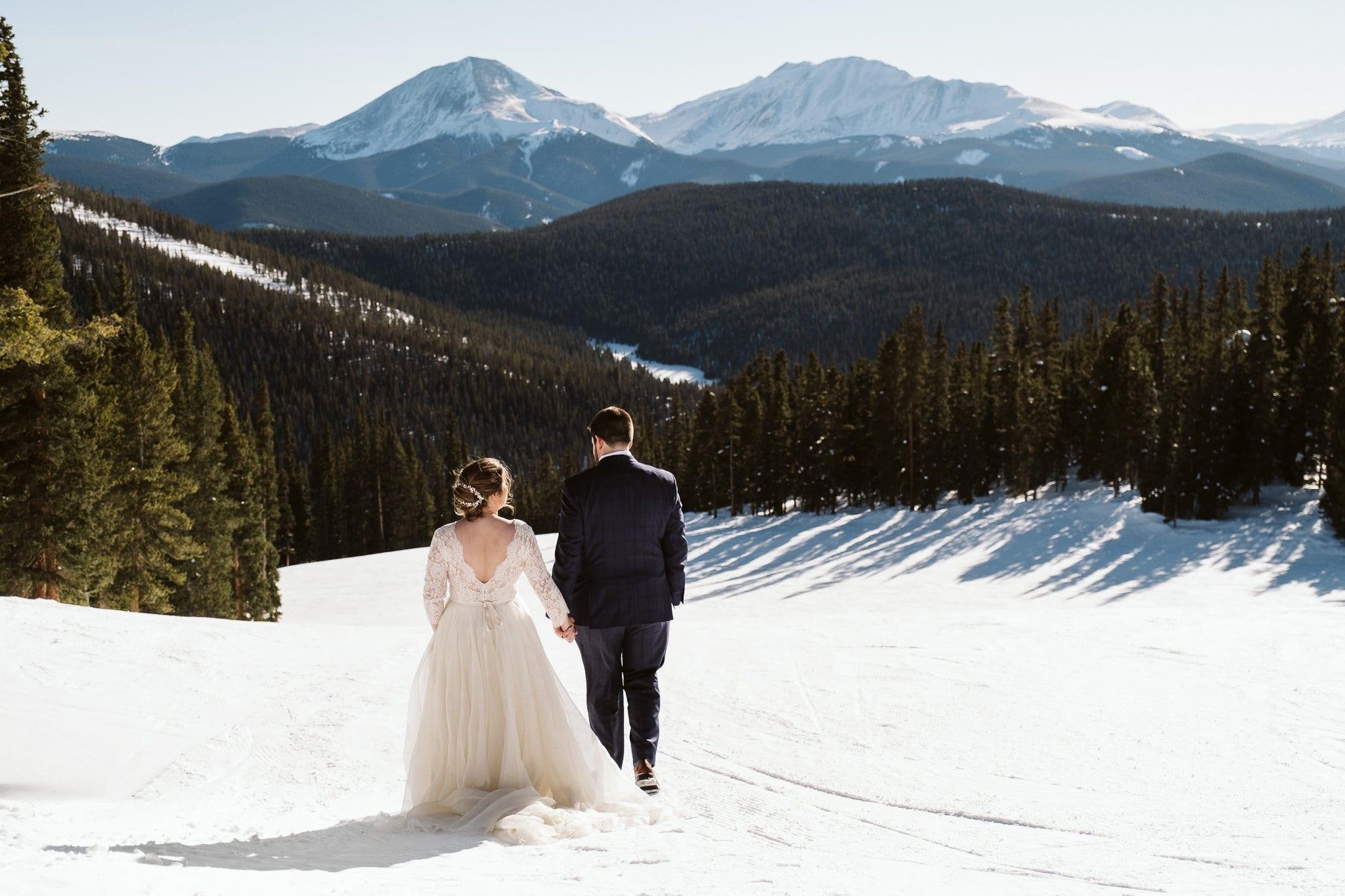 Bride and groom on the ski slopes at Keystone in Colroado.