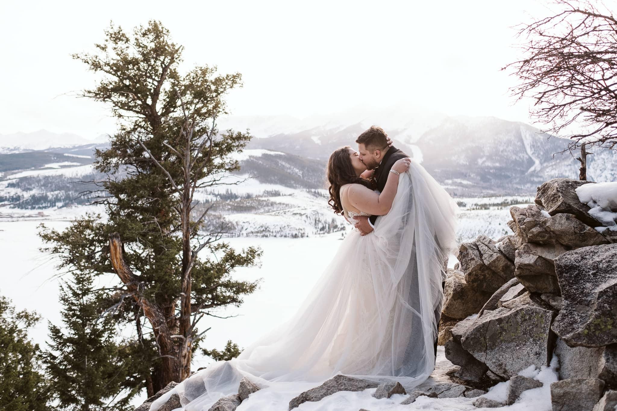 Winter elopement at Sapphire Point Overlook