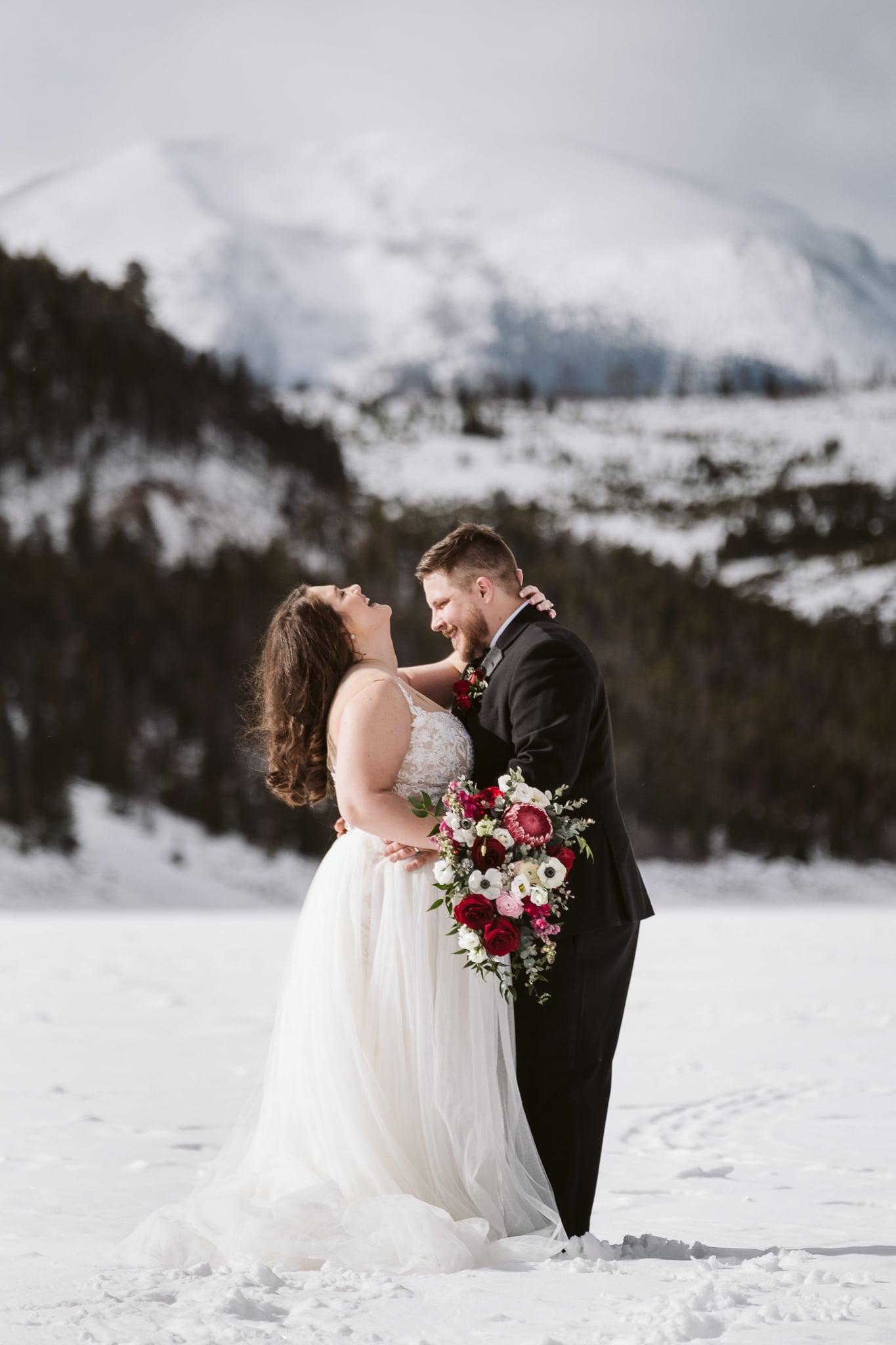 Winter elopement in Colorado