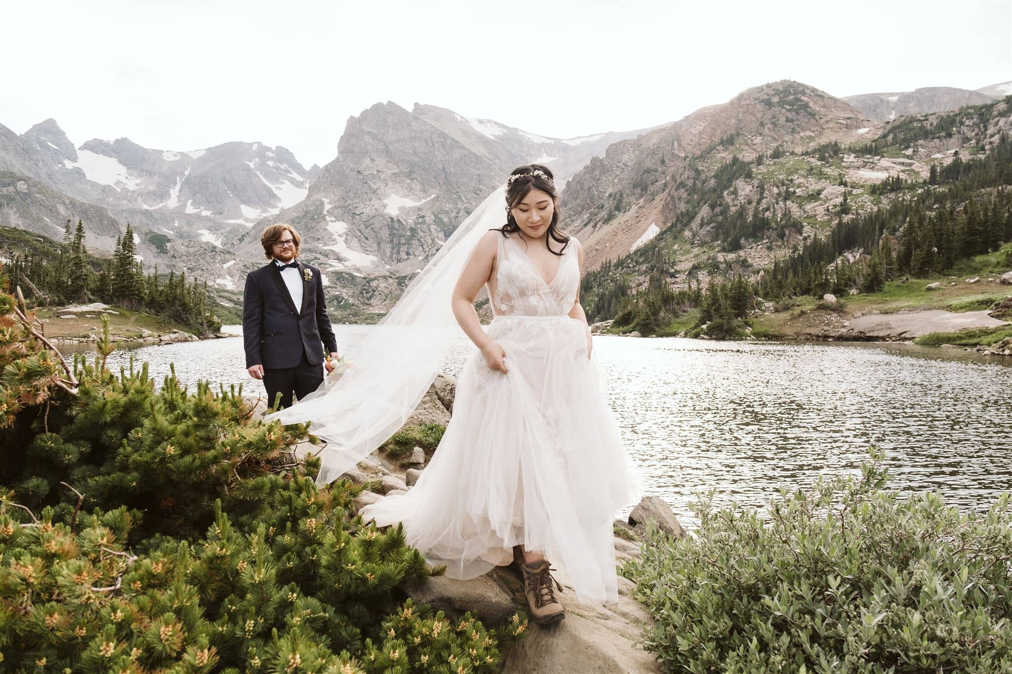 Colorado elopement packages for hiking and adventure weddings