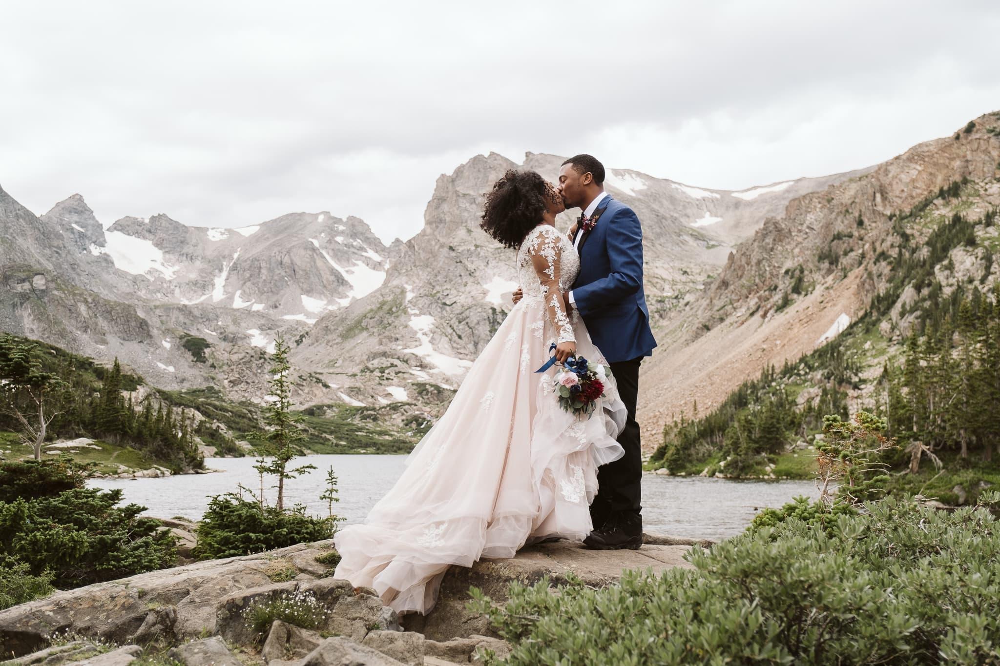 Colorado hiking elopement